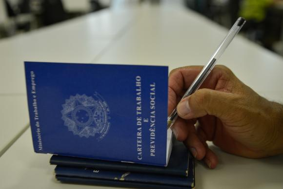 Entenda o projeto de lei da terceirização aprovado pela Câmara